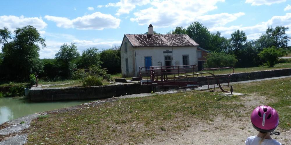 Graines de baroudeurs_canal de Bourgogne été 2015 (1)