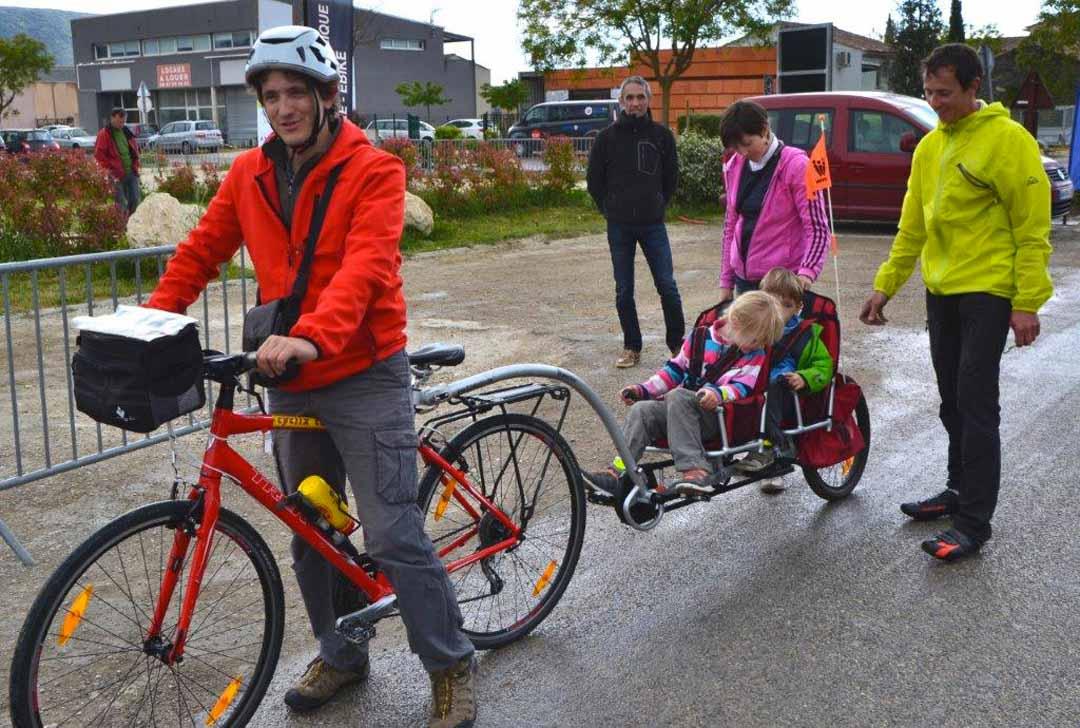 Coustellet itinérance vélo tandem enfants
